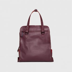 Maxi Tote Burgundy with shoe compartment. Front View.